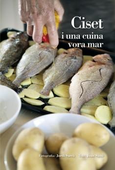 Ciset i una cuina vora mar